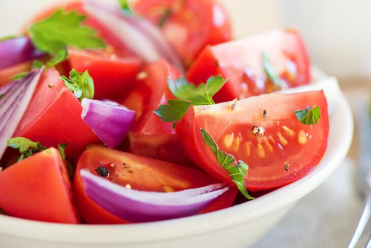 tomato salad onions