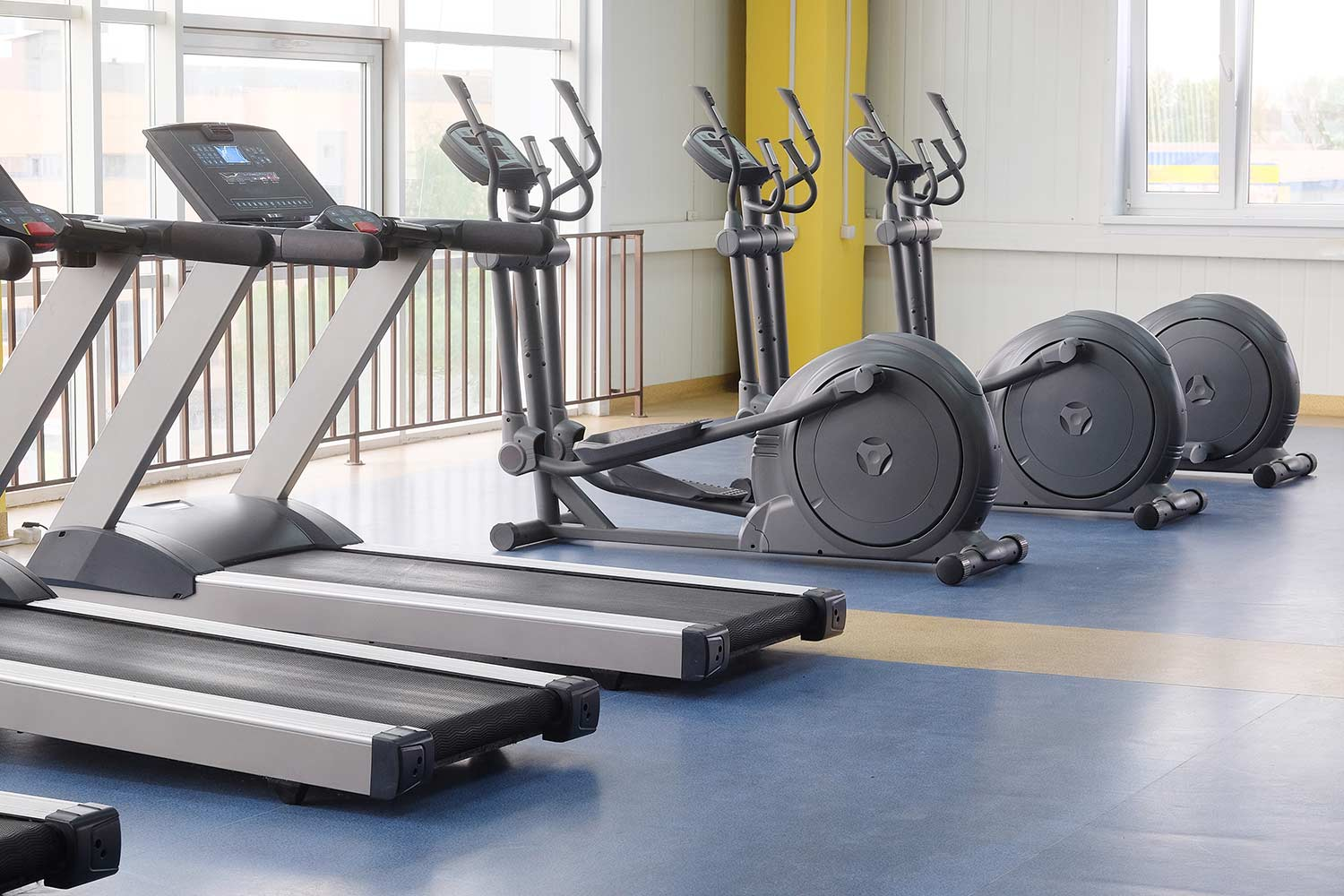 treadmill vs elliptical fitness machine